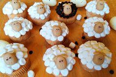 Moje Wypieki | Babeczki wiosenne i wielkanocne: stokrotki, króliczki i owieczki (dekoracja) Desserts, Food, Hens, Tailgate Desserts, Deserts, Essen, Postres, Meals, Dessert