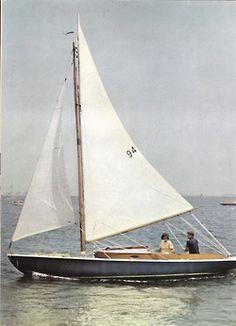 Genieten van de zon in een bootje op het water