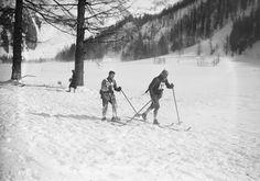 29-01-1924, Chamonix, Tchéco-Slovaques (skieurs de l'équipe militaire, aux Jeux olympiques d'hiver)   Photographie de presse : Agence Rol
