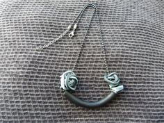 Polymer clay necklace.  Etsy en https://www.etsy.com/es/listing/190609295/collar-con-colgante-de-arcilla