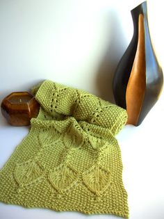Free Patterns: Grasshopper Scarf!