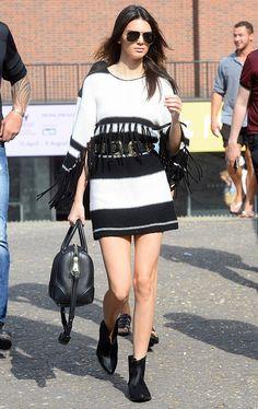 kendall-jenner-street-style-belt-boots-black-white