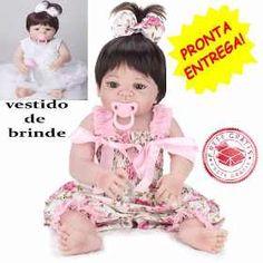 fe31f82efb Boneca Bebe Realista Tipo Reborn Larinha Com Enxoval - R  148