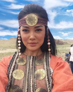 Kazakhstan Traveling to Central Asia is easier now than ever before. Take your time and really enjoy this amazing destination. Traditional Fashion, Traditional Looks, Traditional Outfits, We Are The World, People Of The World, Beautiful People, Beautiful Women, Africa Travel, Travel Europe