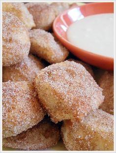 Jam Hands: Pretzel Bites IN 3 FLAVORS!! -  Cinnamon & Sugar with Vanilla Glaze, Plain and Parmesan & Garlic - Using frozen roll dough.  Great idea!!