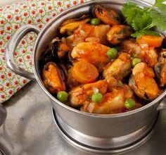 La cocina de Frabisa: Guiso de mejillones gallegos Kitchen Dishes, Spanish Food, Tapas, Seafood, Curry, Lunch, Fish, Meals, Chicken