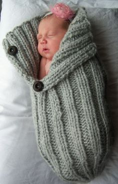 Button Flap Baby Cocoon by LoopsyKnits on Etsy, So cute! Cute idea to save Creative Knitting, Knitting For Kids, Baby Knitting, Crochet Baby, Crochet Gifts, Knit Crochet, Newborn Photo Props, Newborn Photos, Baby Cocoon Pattern