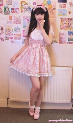I ordered this BonBon21 dress 2nd-hand months ago and I thought it got lost in the mail. XD; It arrived today, yayyy!Their clothes really fl...