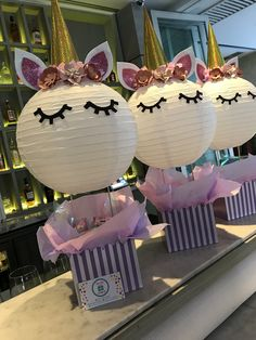 Centros de mesa unicornio Party Unicorn, Unicorn Themed Birthday, Unicorn Baby Shower, Girl Birthday, 30th Birthday Themes, 4th Birthday Parties, Birthday Party Decorations, Aaliyah Birthday, Paris Party