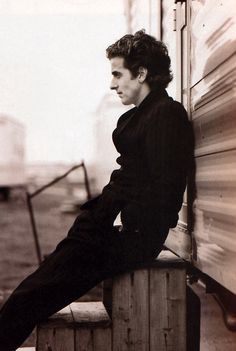 Why hello there, younger and even handsomer Peter Capaldi.
