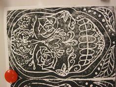 Dia De Los Muertos sugar skull prints using styrofoam, Anoka Middle School for the Arts Middle School Art Projects, High School Art, 7th Grade Art, Printmaking Ideas, Day Of The Dead Art, Art Programs, Mexican Folk Art, Art Classroom, Elementary Art