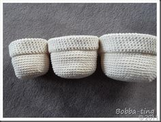 Norwegian tutorial on how to crochet a small basket. I made one of these for my keys.