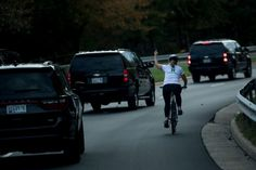 A cyclist flipped off Trump's motorcade and entered the annals of presidential protests - The Washington Post