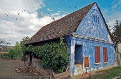 Casa traditională săsească Romania, House Plans, Houses, Stone, House Styles, Building, Painting, Travel, Home Decor