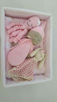 Mesmerizing Crochet an Amigurumi Rabbit Ideas. Lovely Crochet an Amigurumi Rabbit Ideas. Crochet Baby Toys, Crochet Bunny, Crochet Gifts, Crochet For Kids, Crochet Dolls, Baby Knitting, Knit Crochet, Amigurumi Patterns, Knitting Patterns