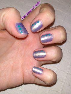 The Queen of Nails ~ Nails with dots - base coat, light blue metallic nail polish, light golden-silver nailpolish, green polish and a matte top coat