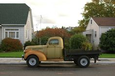 Unusual Chevy Pickup of 1946 Chevrolet Ton Flatbed With Moss. 1946 Chevy Truck, Truck Flatbeds, Chevy Trucks, Flat Bed, Chevy Pickups, Classic Trucks, Old Trucks, Dodge, Chevrolet