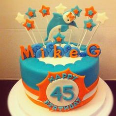 I'm going to make this for my dad and brother next birthday :) Miami Dolphins Cake