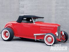 Hot Rods New England 1932 Ford Roadster. I want one. Now.