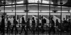 Cenas urbanas no metrô de São Paulo #fotografiaderua #streetphotography Exposição Visão!Urbana. Local: Idea!Zarvos de 03 a 19/06 de 2016.  A exposição é resultado do concurso Visão!Urbana Ideal!Zarvos realizado pelo Estúdio Madalena Produções Fotográficas Ltda.  Comissão julgadora formada por Claudia Jaguaribe (fotógrafa), Ekaterina Kholmogorova (designer gráfica), Mozart Mesquita (editor), Iatã Cannabrava (curador) e Nelson Kon (fotógrafo).