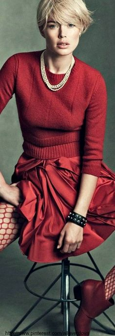 Shades of red. Duoutzen Kroes | Elle France.