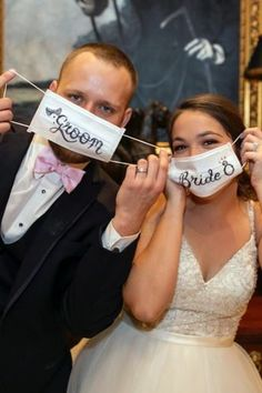 Stay Healthy Stay Safe: Bridal Survival Guide bridal survival guide groom and bride in surgical face mask with signs koontzphotography Wedding Song List, Best Wedding Songs, Wedding Playlist, Wedding Couples, Wedding Pictures, Wedding Bride, Wedding Mandap, Wedding Stage, Wedding Music