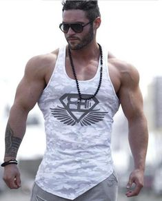 2016 Brand Casual vest men t shirts Summer Cotton Fit Men Tank Tops Clothing Bodybuilding Undershirt Golds Fitness man Fitness Man, Lower Abs Workout Men, Stringer Tank Top, Camouflage, Body Building Men, Muscle Building, Bodybuilding, Gym Shirts, Man Fashion