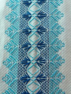 This Pin was discovered by Nil Swedish Embroidery, Hardanger Embroidery, Silk Ribbon Embroidery, Hand Embroidery Designs, Cross Stitch Embroidery, Embroidery Patterns, Swedish Weaving Patterns, Loom Patterns, Cross Stitch Designs