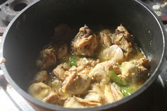 Delicious and creamy methi malai chicken which taste great with rice or roti. This gravy goes perfect with pulao as well. Indian Chicken Recipes, Easy Chicken Recipes, Indian Food Recipes, Cantonese Chicken Recipe, Methi Chicken, Recipe For 4, Curry Recipes, Classroom Decor, Allah