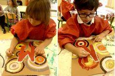 initiale_aborigene rond 3rd Grade Art Lesson, Afrique Art, Les Continents, Petite Section, Kindergarten Lessons, Art Plastique, Art Lessons, Art For Kids, October 2014