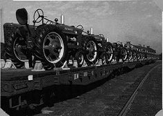 Antique tractor photograph No. of 63543 from the largest online gallery in the world. We have aftermarket tractor parts and manuals for New Farmall Tractors on Train tractors. Antique Tractors, Vintage Tractors, Vintage Farm, Red Tractor, Tractor Parts, Farmall Tractors, John Deere Tractors, Classic Tractor, International Harvester