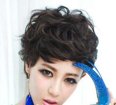 Stylish Short Haircuts for Curly Wavy Hair - Love this Hair