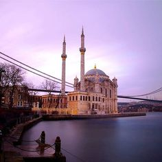 Lieu: Ortaköy-Istanbul --- #seeyouturkey #istanbullovers #allshotsturkey #kadraj_arkasi # fotografía #rosphoto #fotografia #fotograf #fotografi #instagramers #instalike #akkasi #aksiine #akas_khoone #photojournalism #pentax #people_and_world #amazing #dailypic #worldbestgram #Turquie # 500px N ° #turkishfollowers 1x #ig_fotografdiyari #ig_today #goodmorning #followforfollow - Mandy Santibanez (@ aliaydin_76)