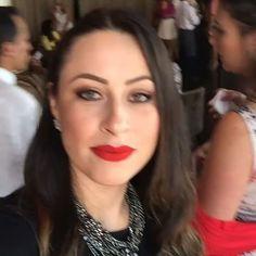 Parabéns à nossa Diretora Comercial, Fabiana Seixas. Equipe Sweet Hair fazendo sucesso pelo mundo inteiro! #mulheresempreendedoras #sweethairprofessional