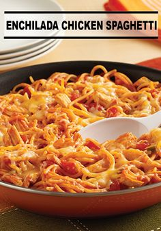 Enchilada Chicken Spaghetti Skillet is part of Enchilada Chicken Spaghetti Skillet Ready Set Eat - A PotSized Pasta recipe with the flavor of chicken enchiladas made with spaghetti in a skillet Huhn Spaghetti, Chicken Spaghetti, Mexican Spaghetti, Taco Spaghetti, Chicken Pasta, Spaghetti Squash, Pasta Recipes, Chicken Recipes, Cooking Recipes