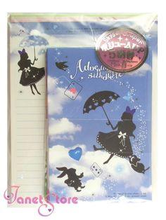 Alice in Wonderland brevsett med 50 brevark og 25 konvolutter i 5 ulike design.