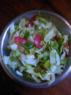 Ensalada de apio, lechuga , hinojo y tomate