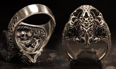L'Amoureux Skullring (Sterling Silver) By:  www.BookofAlchemy.com