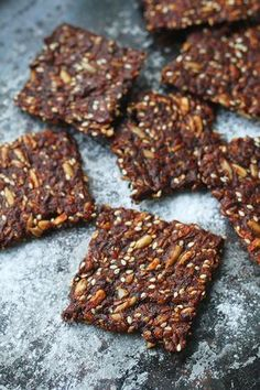 Seed cracker gingerbread cookies is a delicious clean eat. Raw Food Recipes, Sweet Recipes, Healthy Baking, Healthy Snacks, Bagan, Lchf, Best Gingerbread Cookies, True Food, Recipes From Heaven