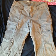 Rockstar cargo jeans ➕plus size ➕ Perfect cargo jeans. Skinny bottom Old Navy Pants Skinny