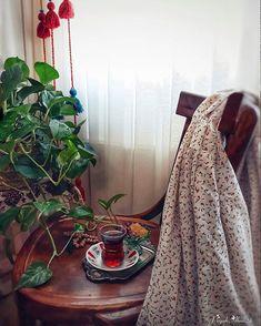 Persian Decor, Iranian Women Fashion, Hijab Cartoon, Islamic Girl, Persian Culture, Iranian Art, Cute Photography, Geometric Wedding, Home Decor Furniture