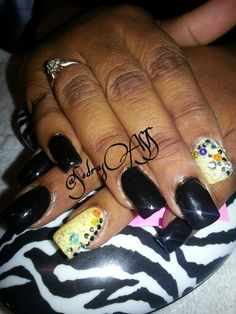 Black Rock Out Acrylic Nails & Design