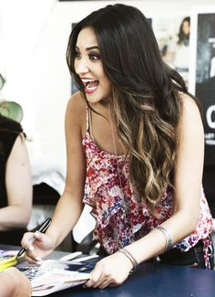 Shay Mitchel's hair