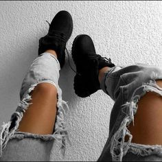 Timberland Boots, an American Icon ~ Fashion & Style Outfit Con Botas Timberland, Black Timberland Outfits, Timberland Boots Outfit, Outfits With Black Timberlands, Timberland Sneakers, Timberland Fashion, Sneaker Outfits, Tims Outfits, Cute Outfits