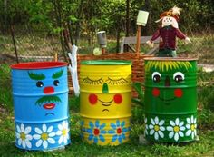 handmade garden decorations recycling metal barrels and tin cans Barrel Colorful Painting Ideas to Recycle Metal Barrels and Tin Cans for Beautiful Yard Decorations Garden Crafts, Garden Projects, Yard Art, Painted Trash Cans, Metal Barrel, Bright Paintings, Cool Art Projects, Project Ideas, Floral Wall Art