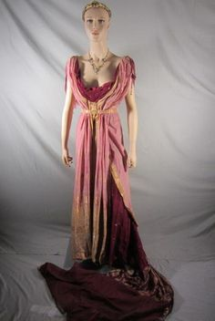 Replica Ancient Roman fashion