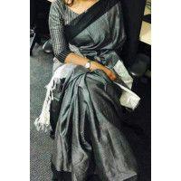 ♥️I have a thing for handwoven and linen sarees.Handwoven Grey Color Tussar Silk Saree with Striped Blouse Saree Blouse Neck Designs, Saree Blouse Patterns, Tussar Silk Saree, Soft Silk Sarees, Cutwork Saree, Kanchipuram Saree, Grey Saree, Maroon Saree, Formal Saree