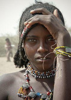 Afar girl - Harar, Harari, Ethiopia (by Eric Lafforgue) Eric Lafforgue, Tribal People, Tribal Women, African Tribes, African Women, African Children, Black Is Beautiful, Beautiful People, Skin Girl