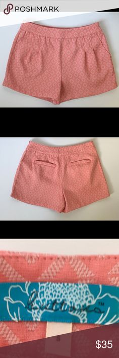 ☀️NWOT Coral Side Zip Shorts ☀️ Cute side zip shorts. Never worn. Bought at Francesca's.  3 inch inseam Length approximately 13 inches Francesca's Collections Shorts