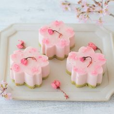 p i n // c r y b a b y g h 0 s t Japanese Pastries, Japanese Sweets, Japanese Food, Sweet Cakes, Cute Cakes, Dessert Drinks, Dessert Recipes, Cute Food, Yummy Food